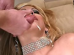 Busty blond tranny n man enjoy oral